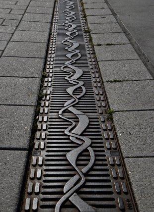 Auf dem Boden - Schlangenlinien von Dirk E.