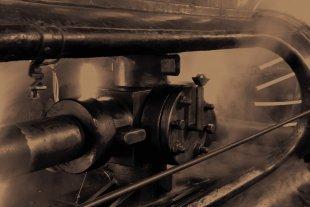 In der Maschinenhalle Zeche Schlägel & Eisen von Mario Kosowski