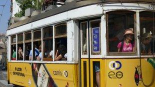 Portugal Lisabon 2 Menschen gedrängt von MyEye