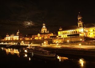 Dresden vom Japanischen Palais aus von DiJay