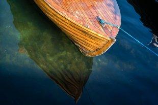 Holzbootspiegelung von LensOlli