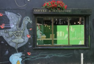 Coffee & Bookstore von Susanne Alt