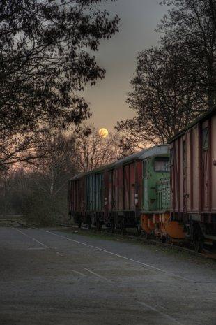 Zug mit Mond LaPaDu von mbottrop