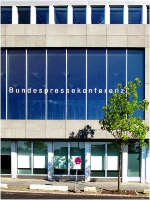 Bundespressekonferenz von Sönke Luck