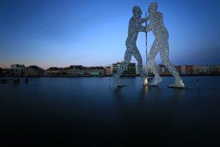 Molecule Man Berlin - Blue hour von F@xe