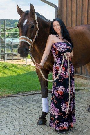 Model und Pferd von imaginer