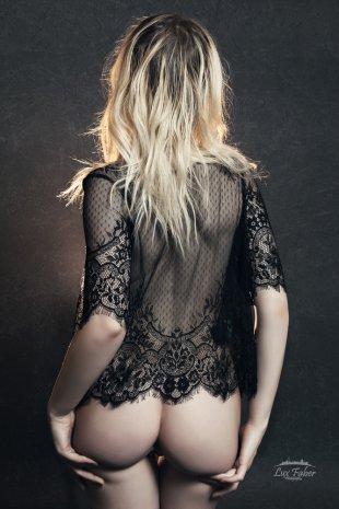 Never Look Back von LuxFaber