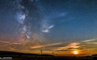 Monduntergang mit Milchstraße von Andreas-Max David