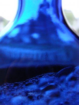 Flasche tiefblau von Reinhard Evers