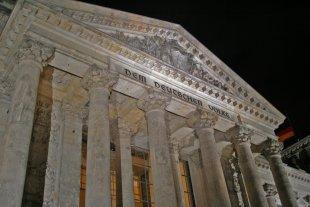 Reichstag bei Nacht von mic.kan
