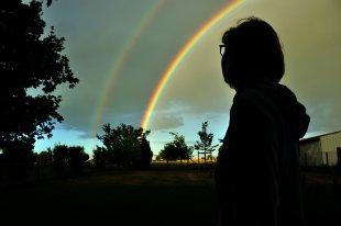 Der Regenbogen, eine in der Regel farbenprächtige, atmosphärisch-optische Erscheinung von mc0