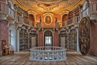 Klosterbibliothek von Die mit der Knipse