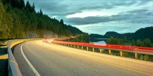 country roads von fundamental.vision