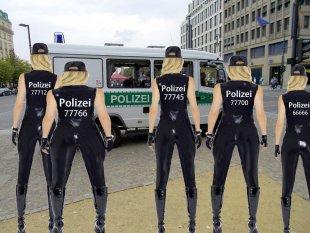 X Women Police von Aliens.Cracker