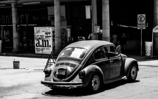 old beetle in Mexico von robinio