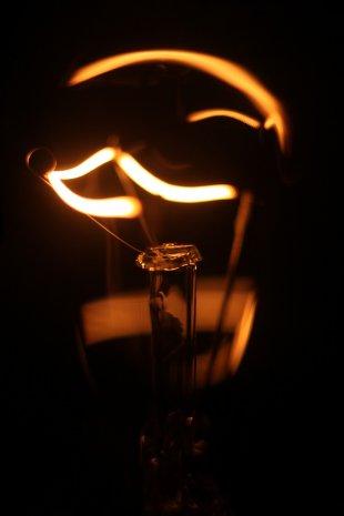 Glühbirne 3 von dizzyrama