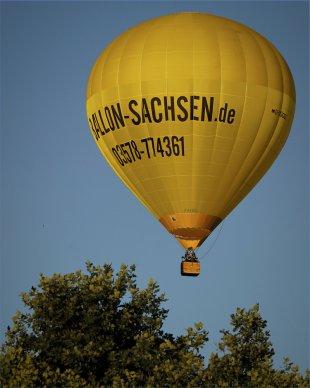 Yellow Hot-Air Balloon von FMW51