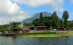 Tempel Pura Ulun Danu Batur von RüdigerLinse
