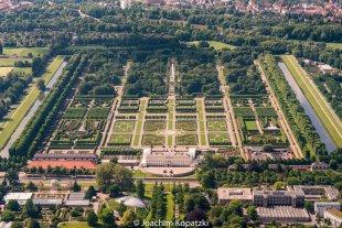 Flug über Hannover -Herrenhäuser Gärten von Joachim Kopatzki