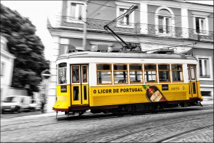 Tram Lissabon von Stefan Bock