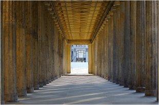 Kolonnaden vor dem Alten Museum, Berlin von pewebe