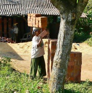 Frauenarbeit Indonesien 2 von RüdigerLinse