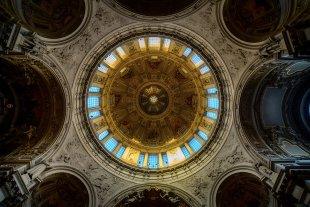 Blick nach oben im Berliner Dom von Secundannte