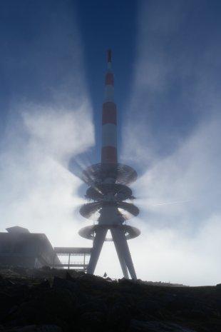 Sonne, Wolken und Technik von CarstenU