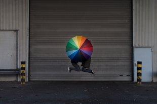 Schirm, Charme und Melone. von aufzehengehen