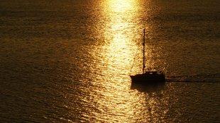 Sonnenaufgang vor Irland von Uroriho