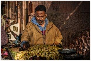 der Obstverkäufer . . von Bernd Seibel