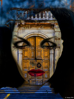 Inside the old italian door von Gabi Hampe