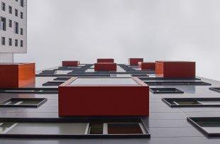 Hochhausfassade von Penusi