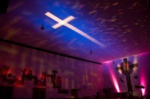 Kreuz aus Licht von Xstream