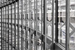 Fensterfront von Manfred Fessel