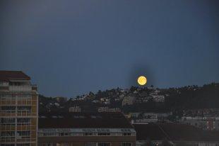 Vollmondnacht in Oslo von Caruso nizinny