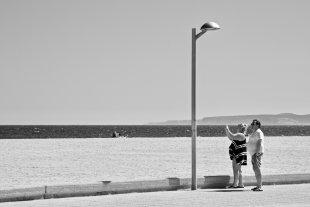 Couple, on the beach von John Mueh