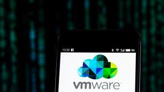 VMware patcht weitere Lücken in ESXi, Workstation und anderen Produkten