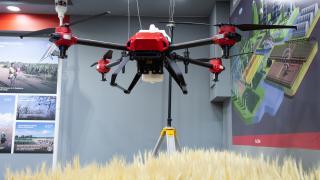 Smart Farming: mit intelligenter Maschine und Drohne übern Acker