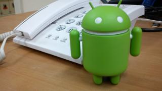 Android-Trojaner stibitzt Bank-Daten und blockiert Anrufe