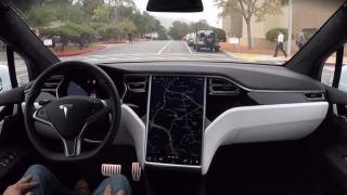 """Tesla verklagt früheren Chef der """"Autopilot""""-Entwicklung"""