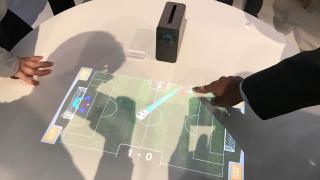 Xperia Touch: Sonys Android-Beamer macht Tisch zur Eingabefläche
