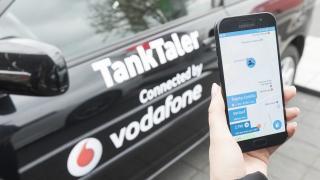Vodafone und ThinxNet bringen Fahrzeuge kostenlos ans Netz
