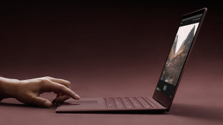 Microsoft Surface Laptop: Notebook mit Windows 10 S für Studenten & Co.