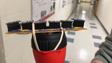 Arduino-Assistenzsystem: Laserstrahlen helfen Blinden bei der Orientierung