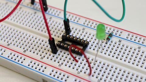 Erste Schritte mit den Mikrocontrollern ATtiny 84 und 85