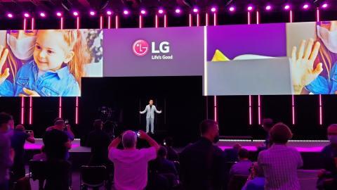 LG zeigt neue Geräte und ein Hologramm