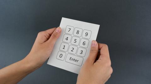Eingabetastatur auf Papier oder Pappe