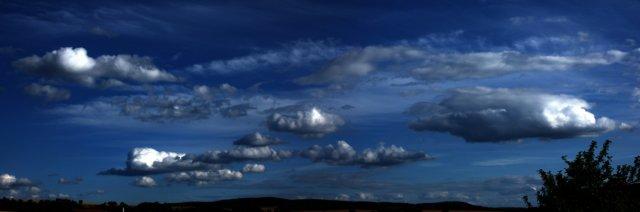 Nachmittagswolken von Konrad Blum