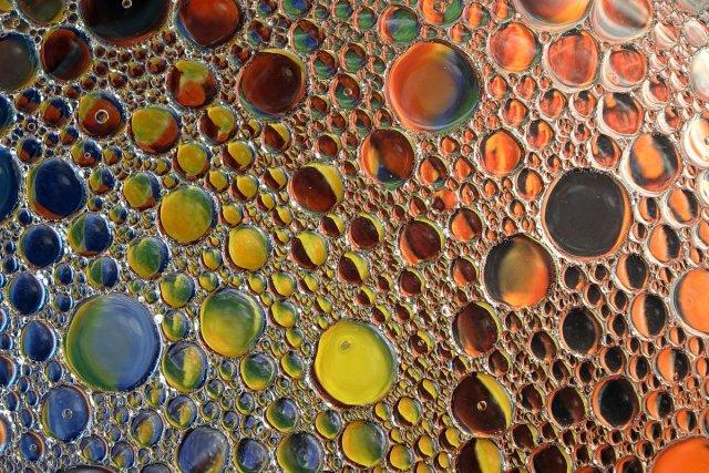 Öl in Wasser 1 von Joachim Steck
